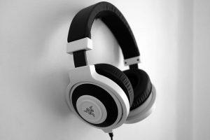 Best wireless gaming headset under $100